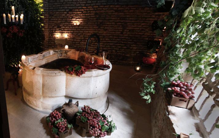 Vinoterapia con ESDOR VID PROFESSIONAL en Aire Ancient Baths de Sevilla