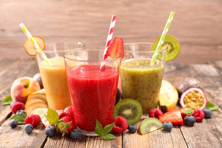 3 recetas de batidos naturales con frutas de temporada